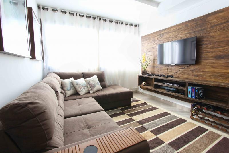 apartment-condo-condominium-275484-2.jpg