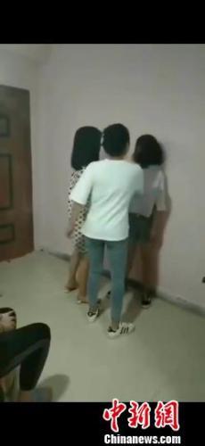 宿迁一名女生被围殴  当地警方正调查