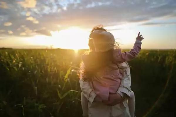 夜讀 生活給我們疼痛,為的是讓我們有所成長