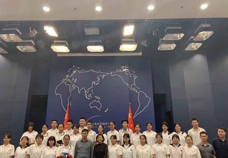 陳經綸學子零距離對話外交部新聞發言人